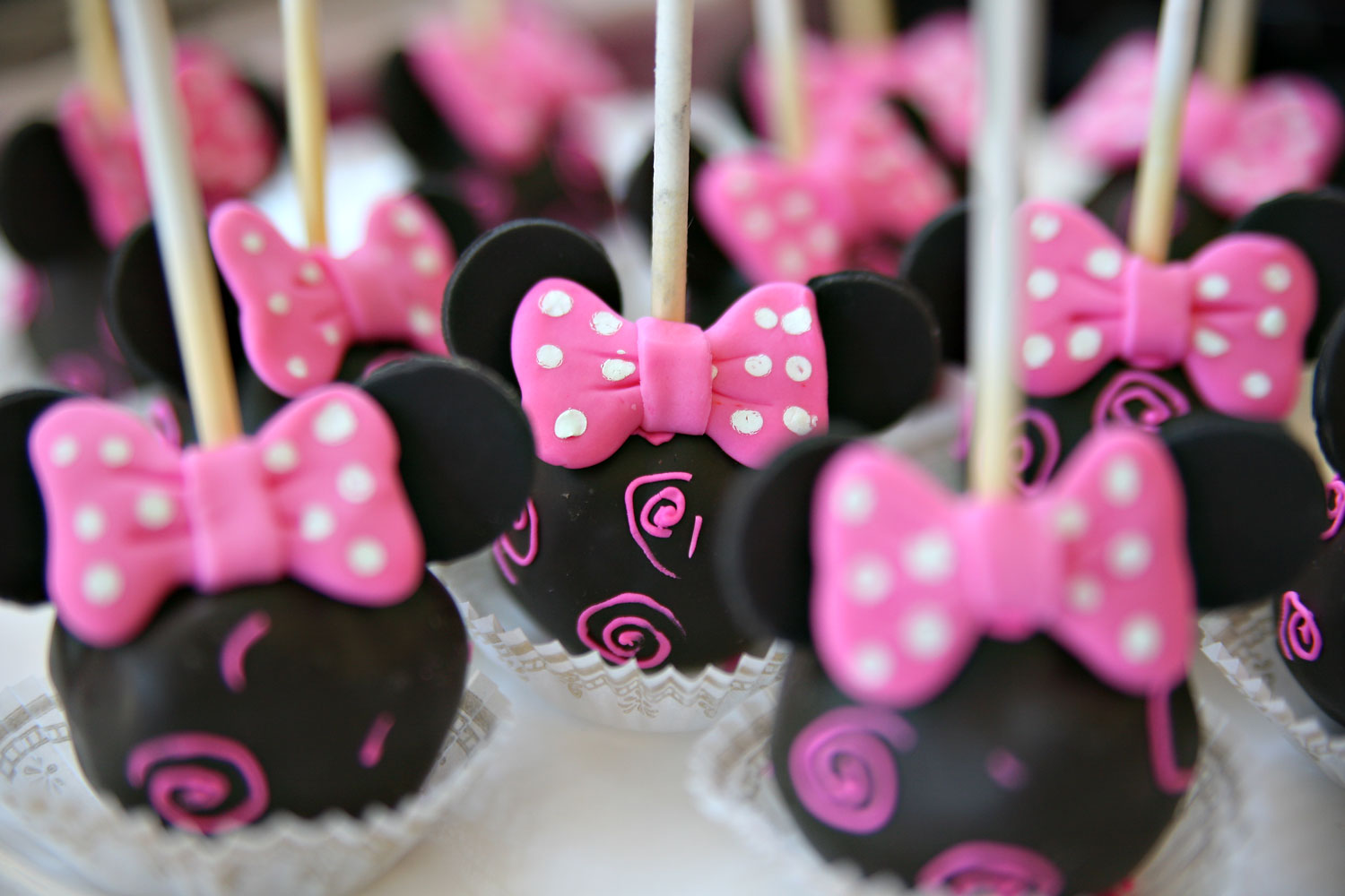 Minnie Mouse Cake Pop Kit