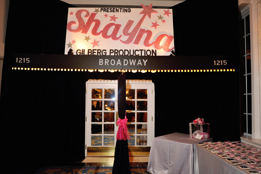 Pink_Broadway_Themed_Bat_Mitzvah_KismisInkPhotography_MaddockPhotography_occasionsonline_058