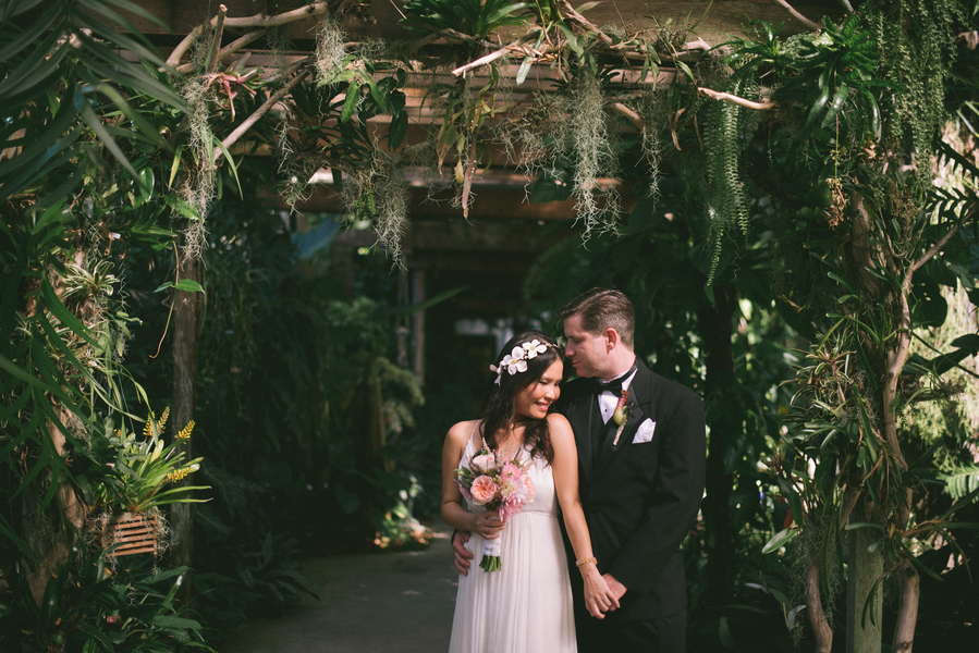 Sarasota Florida Wedding At Marie Selby Botanical Gardens By Your Story By Us The Celebration