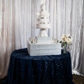 Glamorous_Navy_Silver_and_White_Winter_Wedding_Inspiration_CarmenSalazarPhotography_occasionsonline_020