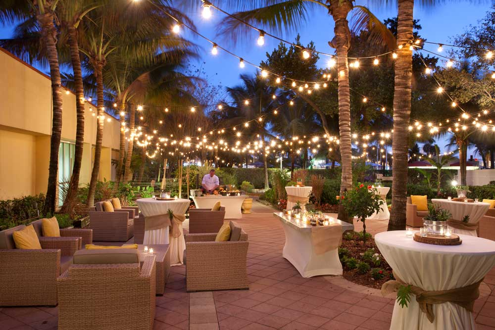 West Palm Beach Marriott Outdoor Wedding - barn wedding venues in central florida