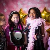 Black_Pink_and_Gold_Pop _Star_Birthday Party_JanetHowardStudio_occasionsonline_075