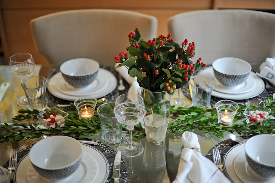 How to Create the Perfect Holiday Table