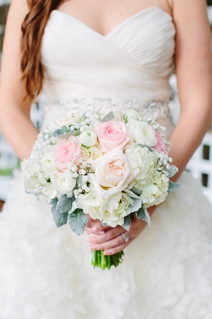 Timeless bridal bouquet