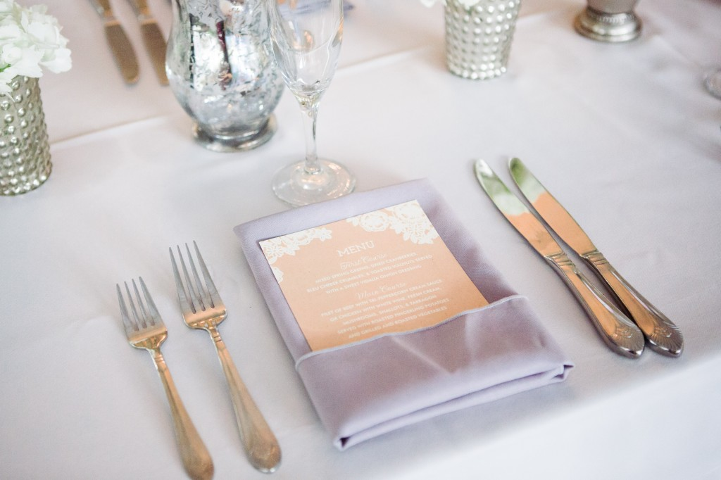 Classic and clean placesetting