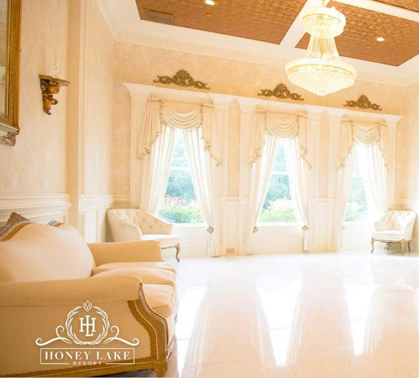 Bridal suite at Honey Lake Resort in Florida