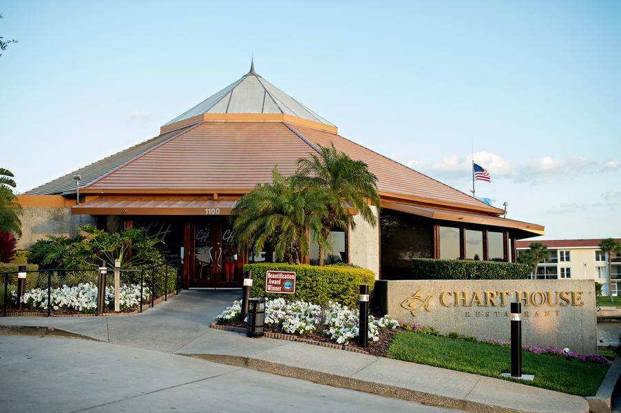 Sea-side Rehearsal Dinner at The Chart House Daytona Beach | The Celebration Society