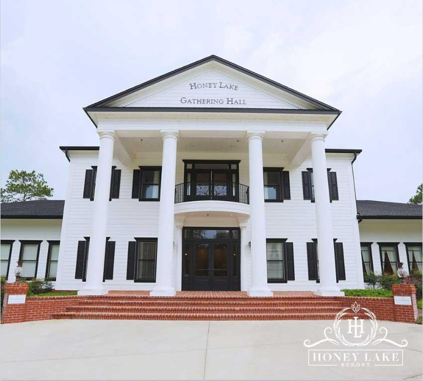 Wedding-venue-entrance-Honey-Lake-Resort-Florida