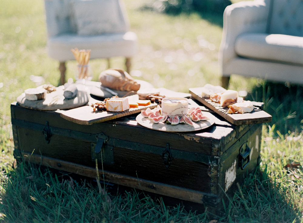 22 ideas for your something borrowed details