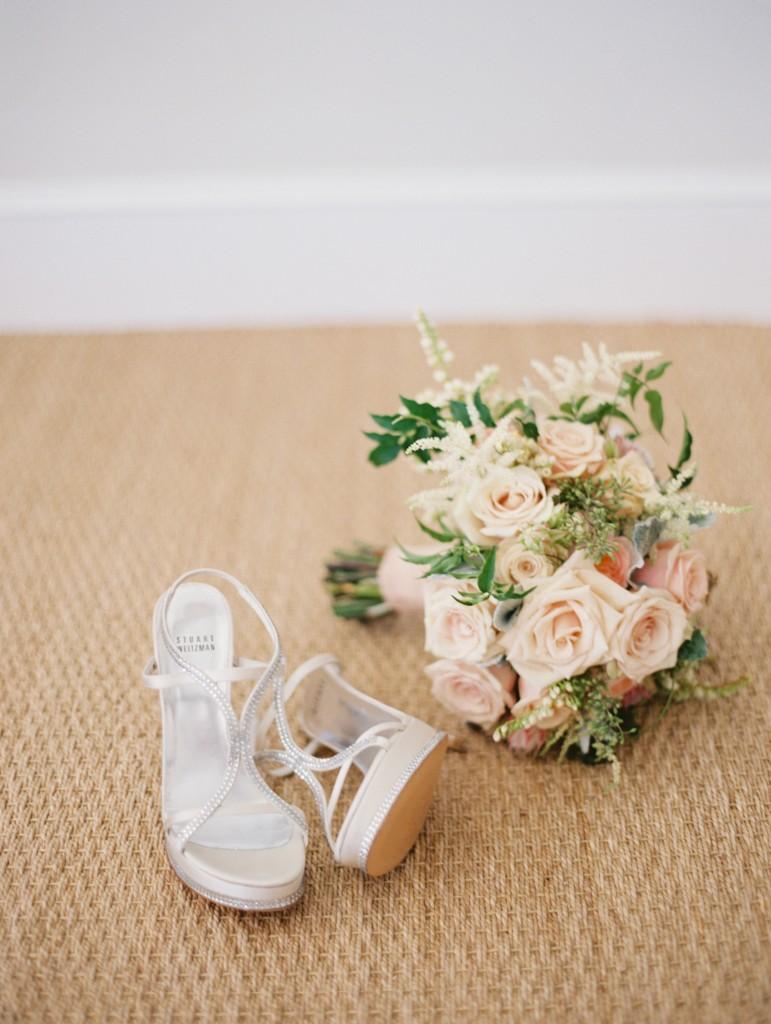 Shoes + bouquet