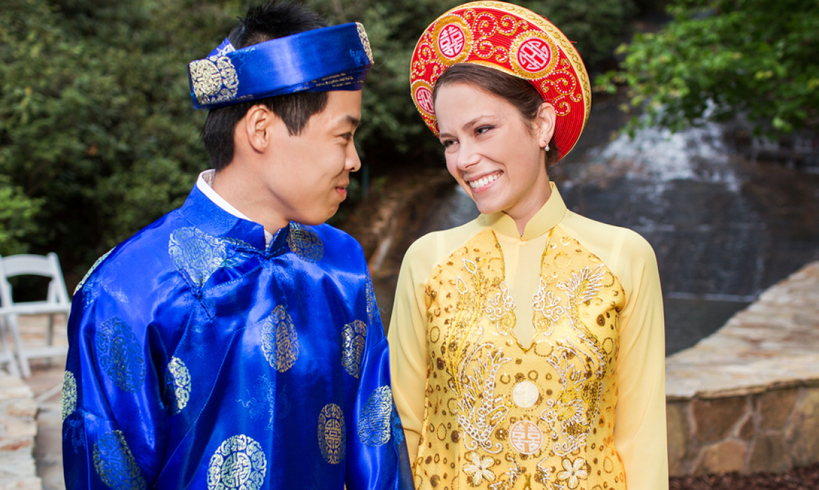 Traditional Vietnamese Ceremony & Outdoor Wedding at Chota Falls