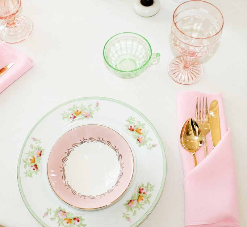 Southern Vintage Baby Shower-tablesettings pink green