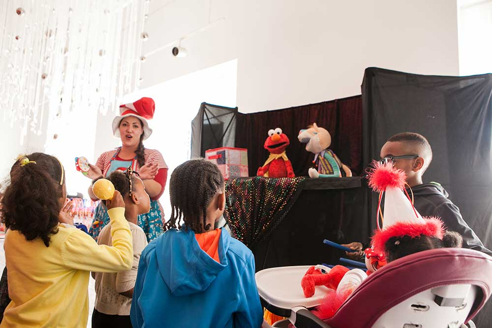 Elmo-Birthday-Party-Puppet-Show