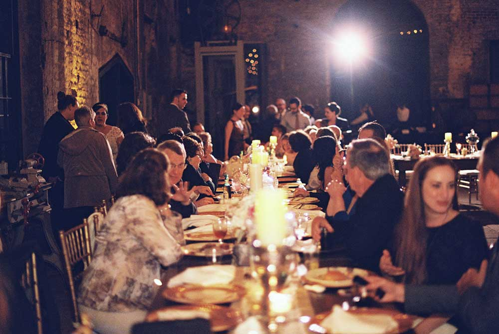 Guests-Dining-at-Savannah-Roundhouse-Railroad-Museum