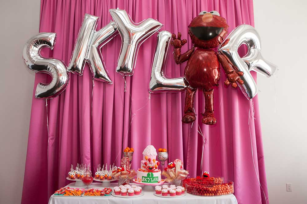 Mylar-Letter-Balloon-Cake-Table-Display