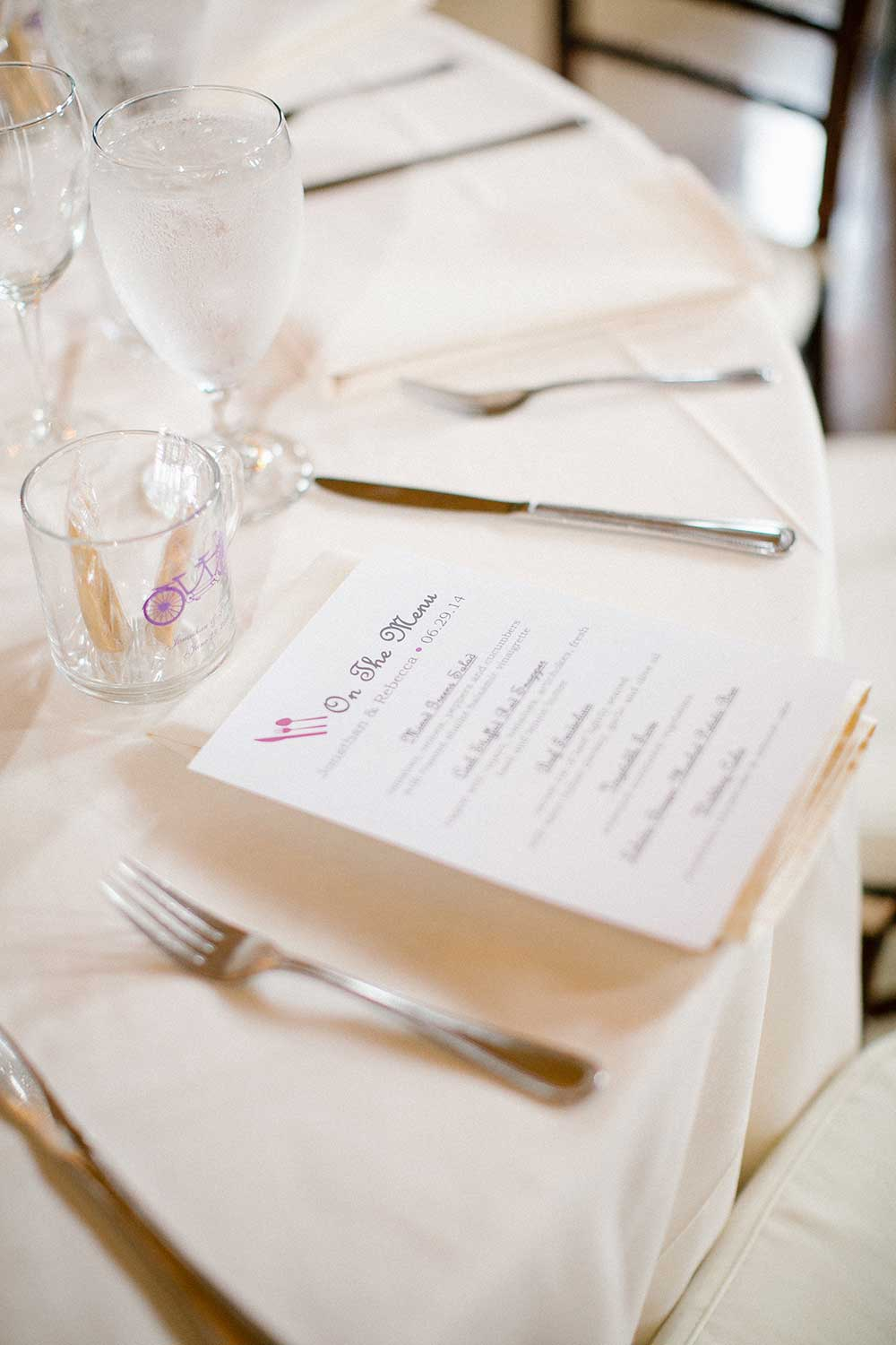 Place-setting-arrangment-with-menu - The Celebration Society
