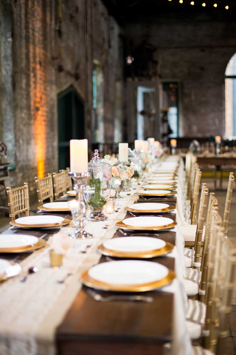 Vintage-Glam-Reception-Table-at-The-Savannah-Roundhouse-Railroad-Museum
