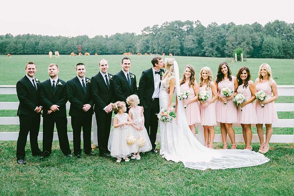 Wedding-Party-at-Serenata-Farm