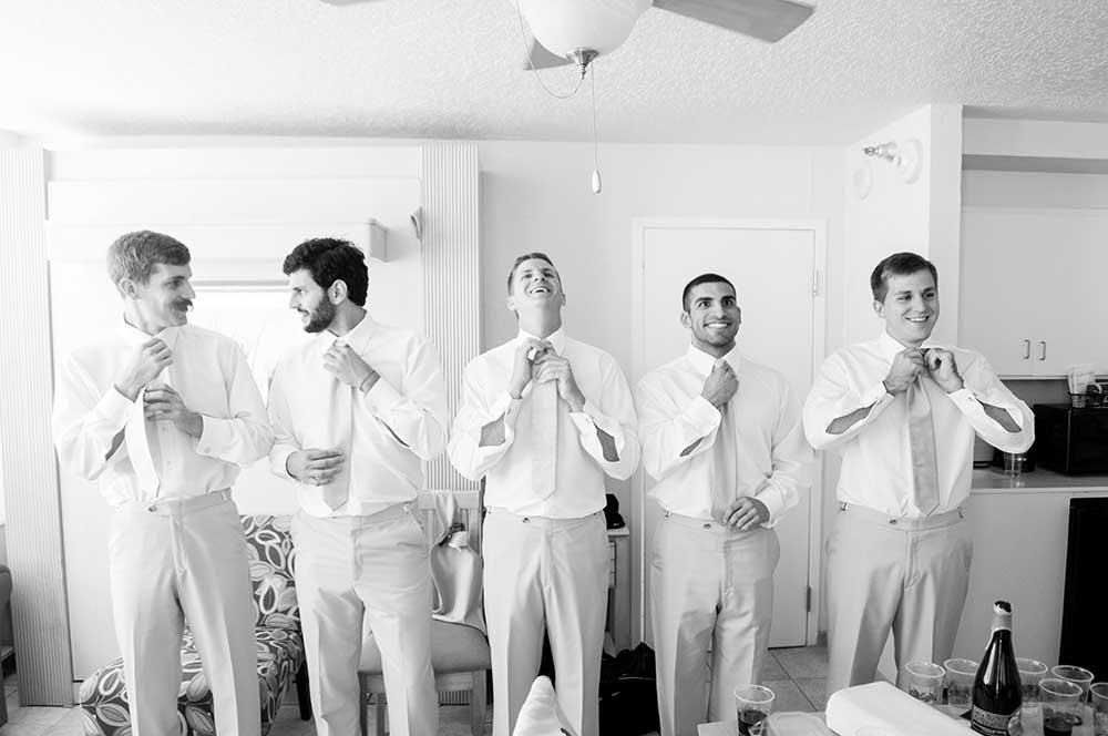 The-groom-and-groomsmen-getting-ready