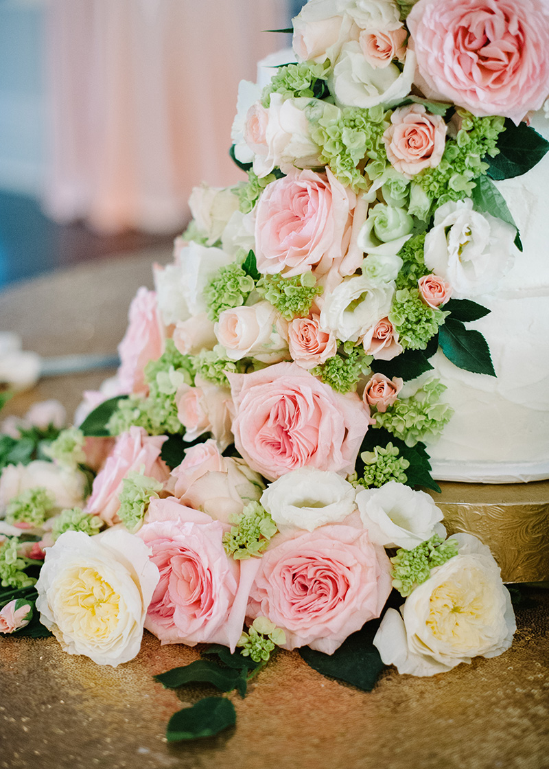 Garden Rose and Green Hydrangea Cake Cascade