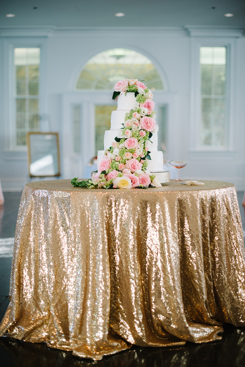 Gold Sequin Linen on Cake Table