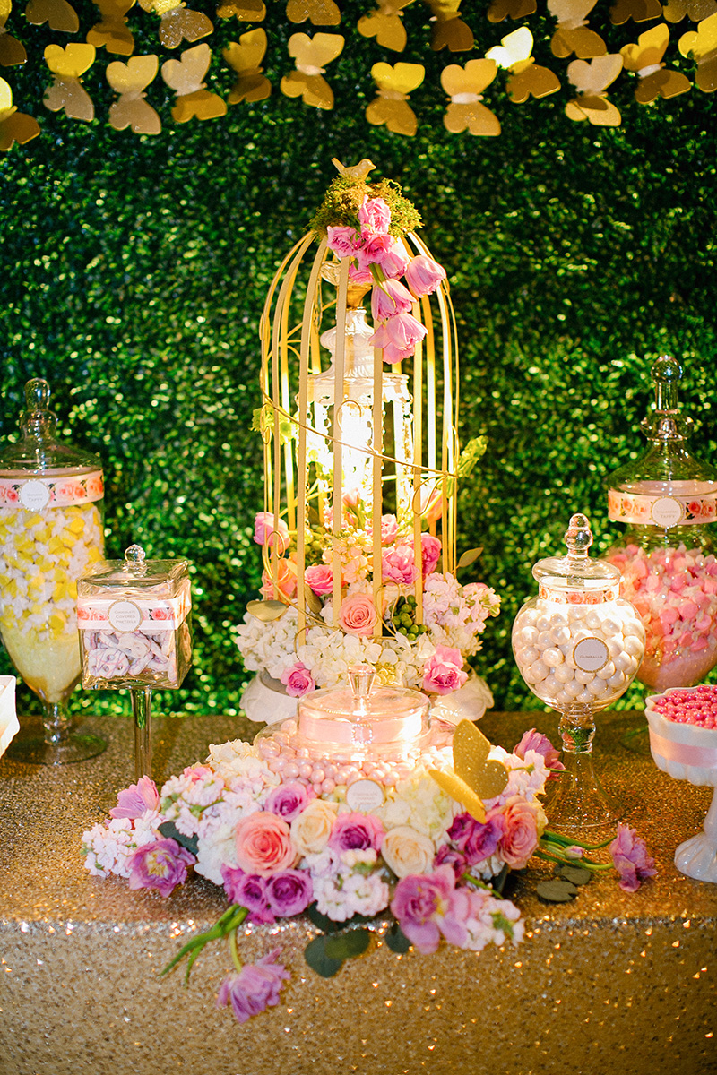 Gold and pink decorations