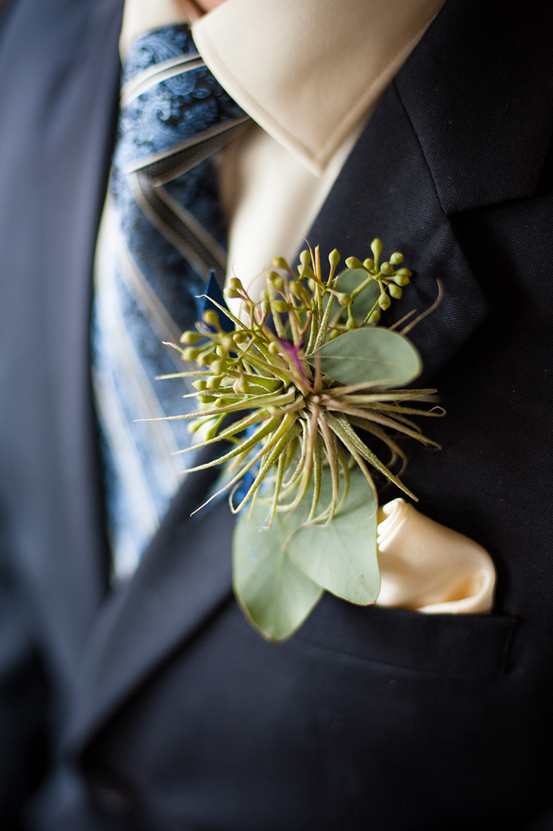 Groom's Airplant Boutonniere