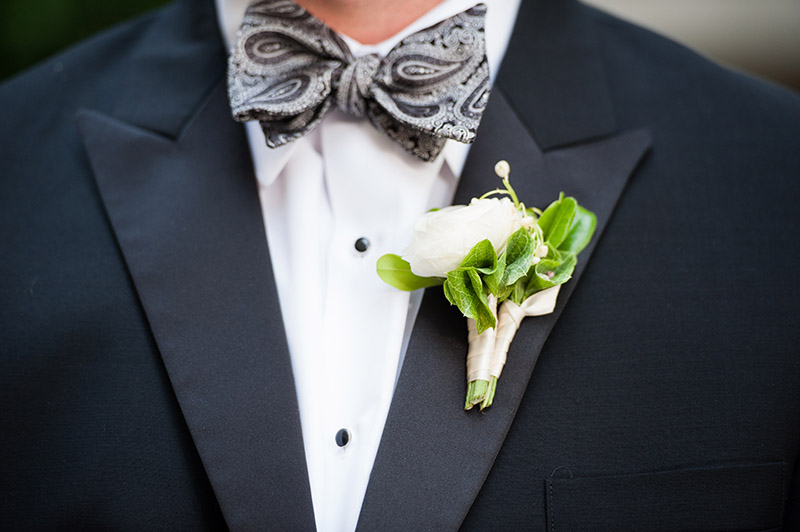 Grooms ivory rose boutonnière