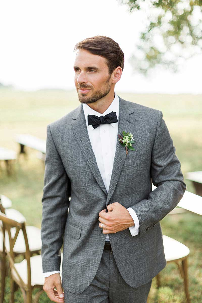 Outdoor-Rustic-Winter-Groom-in-Gray