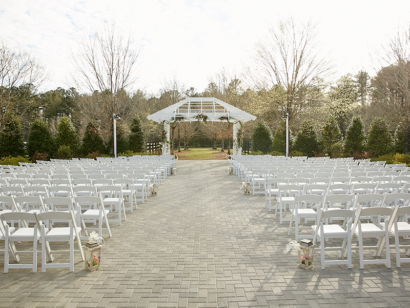 Outdoor Wedding Ceremony at the Foxhall Resort and Sporting Club