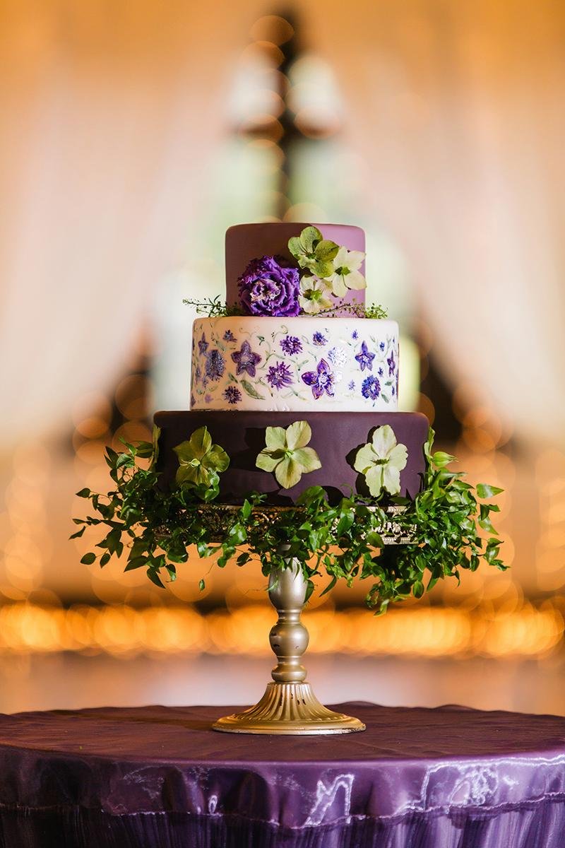 Purple Green Hydrangea Violet Wedding Cake Display