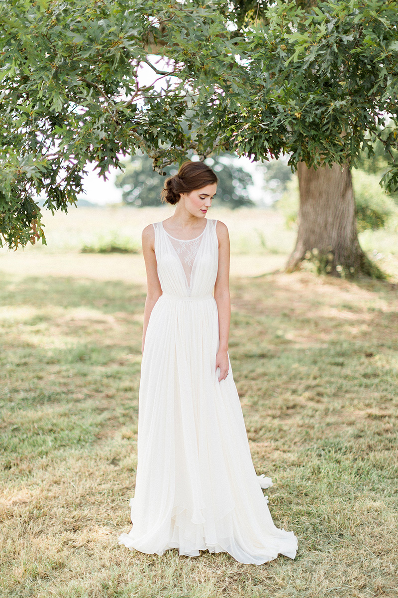Southern sophistication wedding inspiration at burge for Wedding dresses for outdoor country wedding