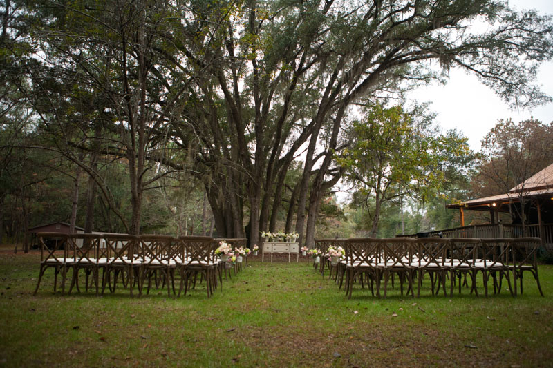 Outdoor rustic wedding venue in florida