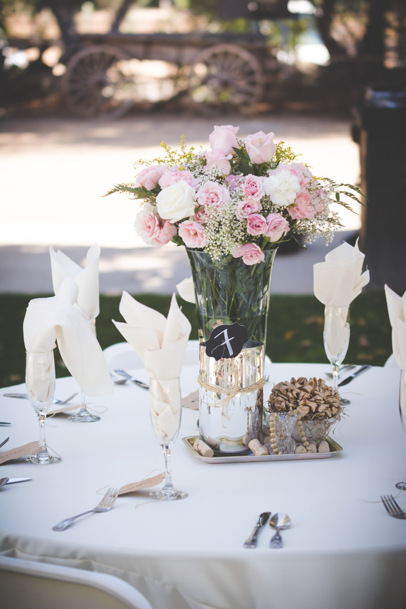 Pink and White Rose Reception Place Seating
