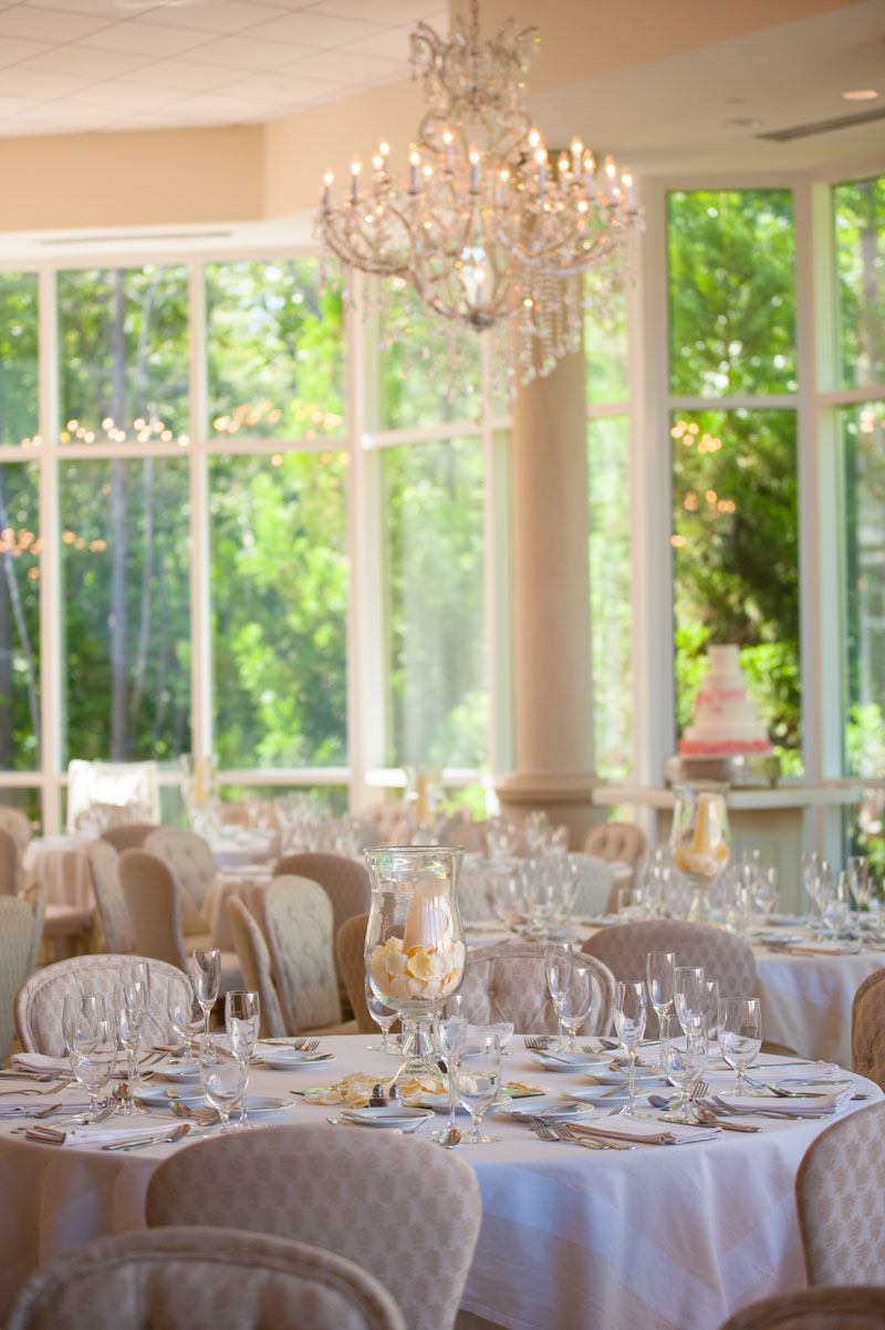 reception-shot-of-vintage-ballroom