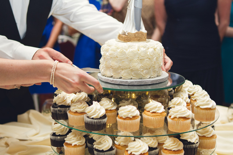 Romantic Southern Wedding Reception Textured Cake and Cupcakes