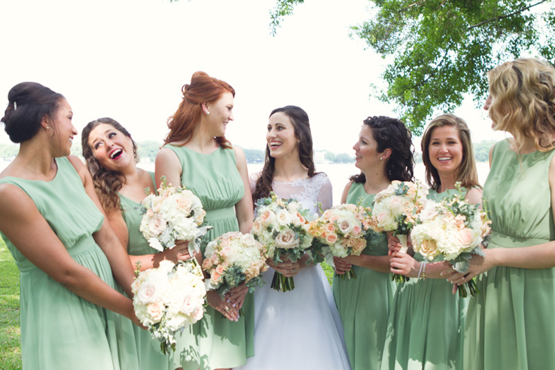 Southern Elegant Bride & Bridesmaids in Mint