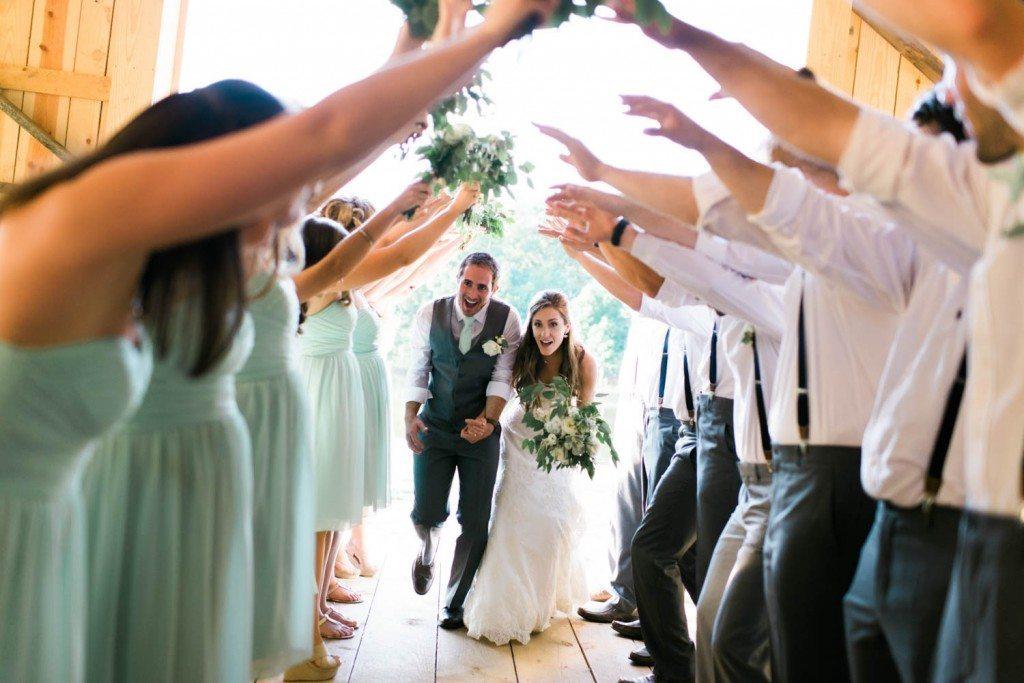 casual-barn-wedding-holly-von-lanken-photography-14
