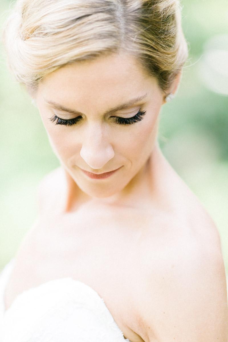 classicoutdoorwedding-bride-headshot