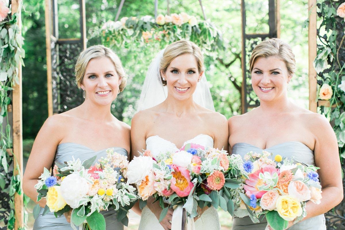 classicoutdoorwedding-bridesmaids