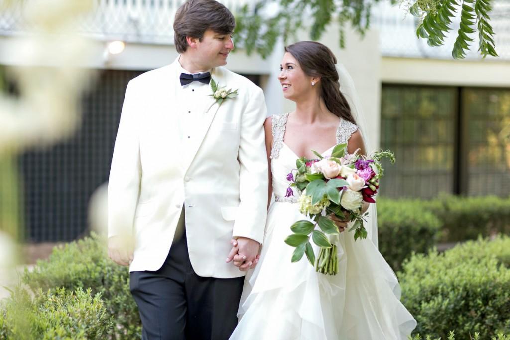 classicsouthernwedding_coupleholdinghands