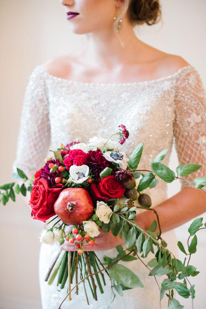 elegantwinterinpired-bridedahliarosebouquet