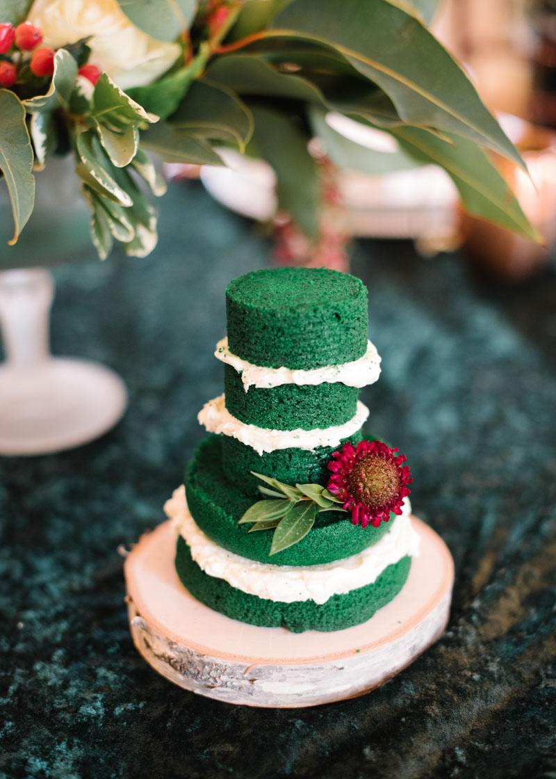 elegantwinterinspired-cakegreen