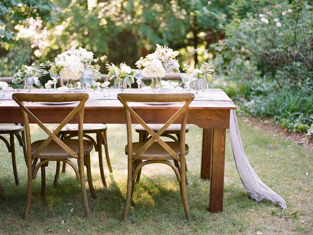 garden-wedding-reception-table
