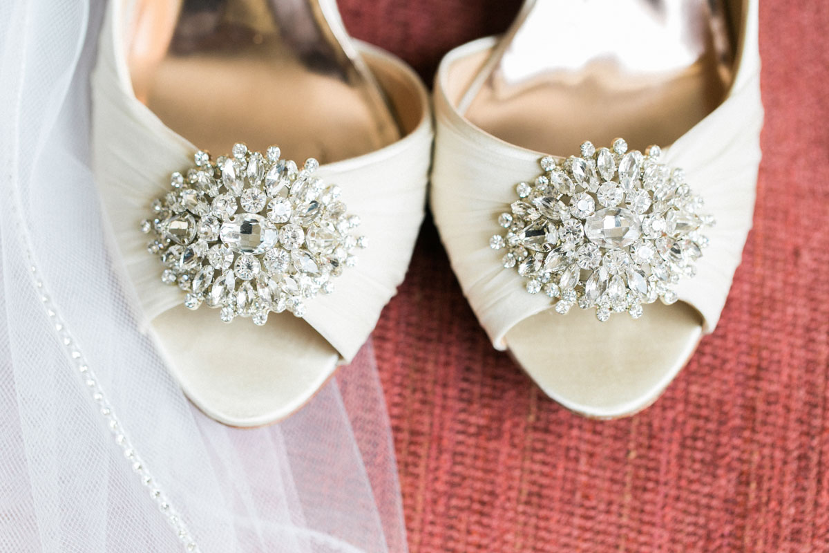 ivroyweddingshoes-crystalembelishment