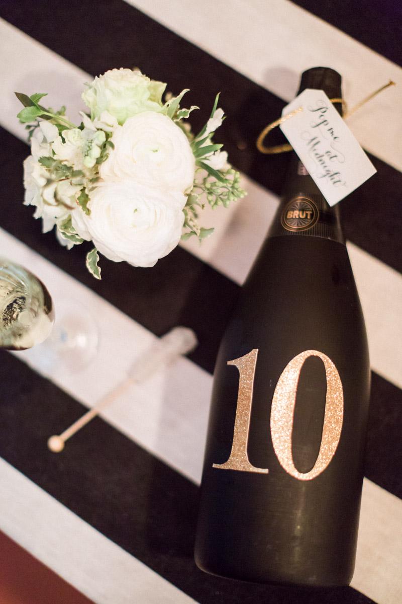 newyearsevewedding-champagnetablenumber