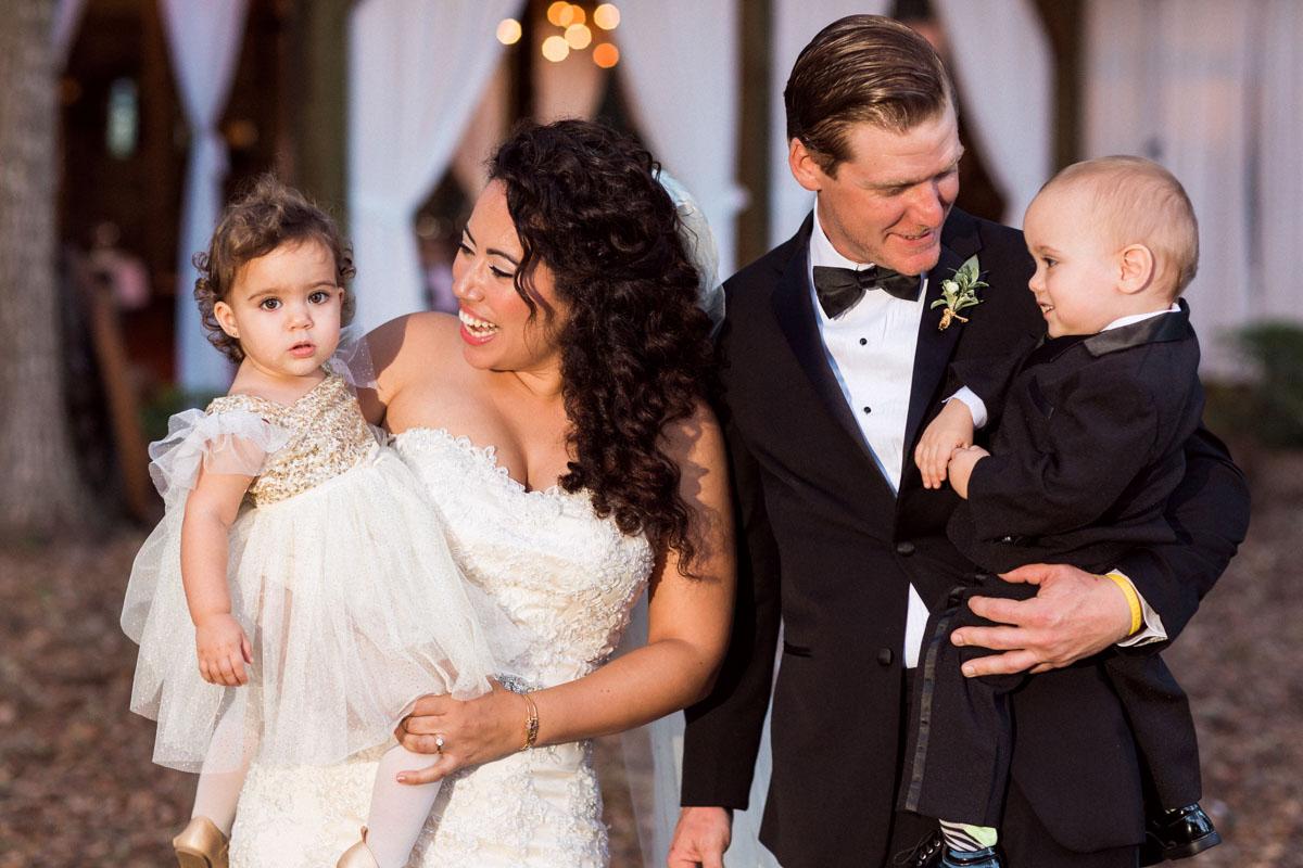 newyearsevewedding-couple-family