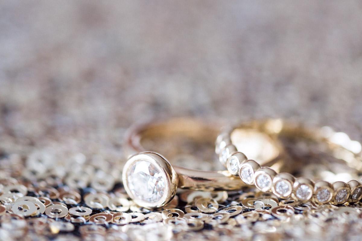 newyearsevewedding-ringset-sequins
