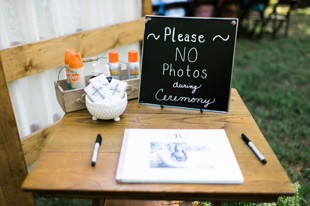 no-photos-during-wedding-ceremony-holly-von-lanken-photography-9