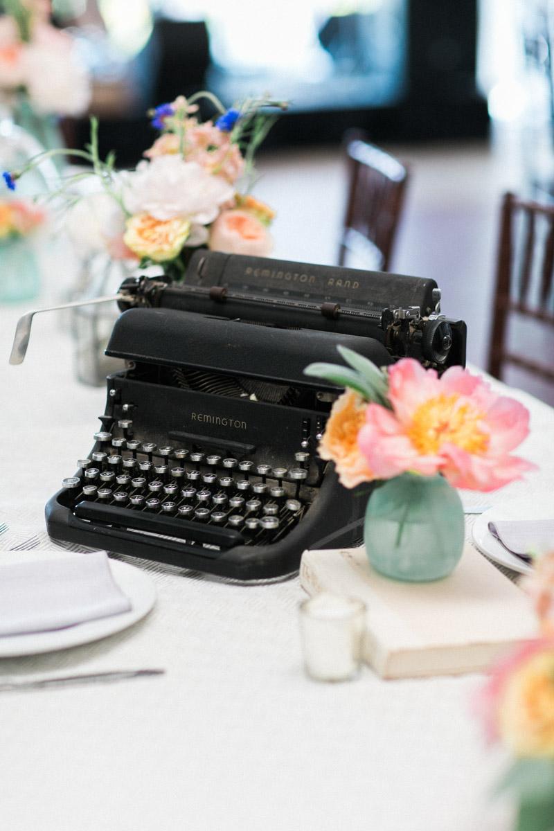 remingtonrandtypewriter-centerpiece